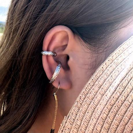 ハワイアンジュエリー イヤーカフ 片耳用 金属アレルギー対応 スクロール プルメリア ハワジュ サージカル ステンレス PVD インスタ ges8235
