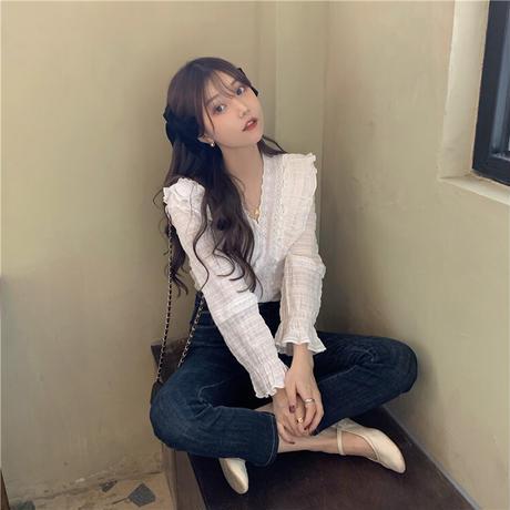 フリル ブラウス 韓国ファッション レディース トランペットスリーブ Vネック 長袖 ルーズ 大人可愛い ガーリー フェミニン DTC-626956005997