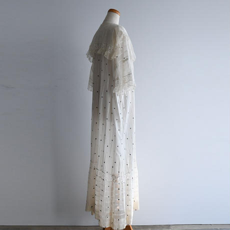 1930s Lace Dot Robe
