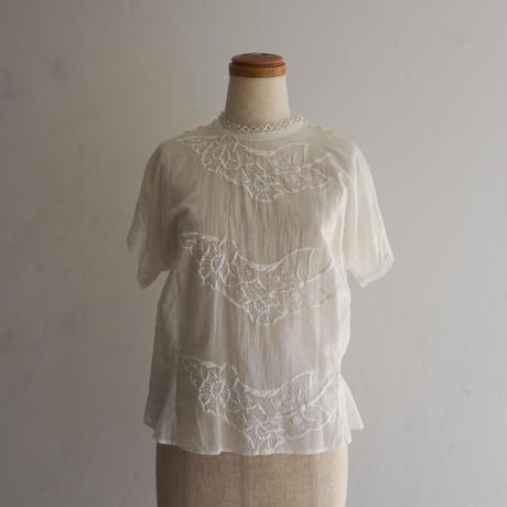 Vintage White Flower Blouse
