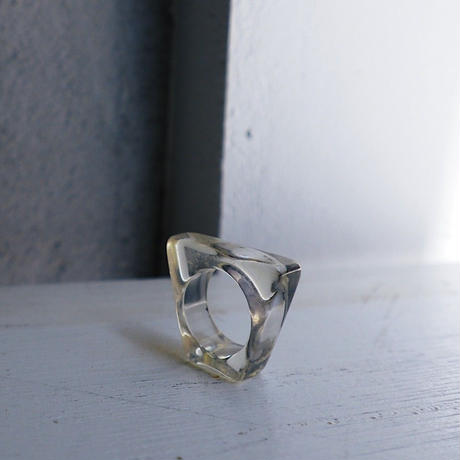 vintage 1960s Clear Lucite Ring