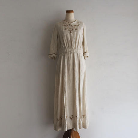 Antique Brown Flower Dress