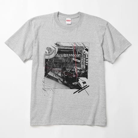 pinewaves / Logic System × 河村康輔    シンセ・コラージュTシャツ(ミックス・グレー)