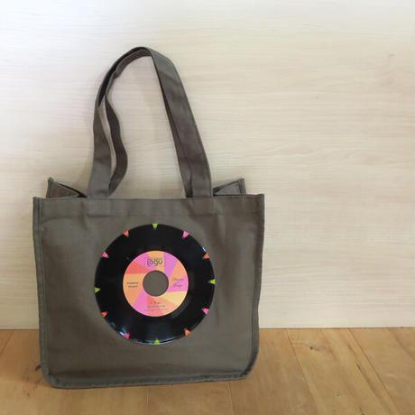 本物のレコードを使ったラウンドトートバッグ「bagu」カーキxピンク  HT-102KP