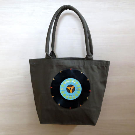 本物のレコードを使ったバッグ「bagu」キャンバストート カーキ レコードバッグ アップサイクル GT-101KBLY