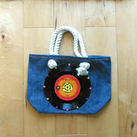 本物のレコードを使ったバッグ「bagu」デニムトートS RED DTS-103DR