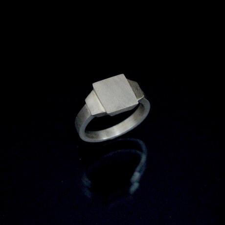 signet ring 18