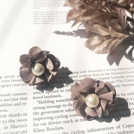 flower pearl pierce