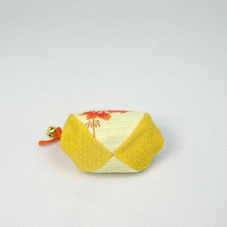 1.7寸四つはぎ(鈴付き) 金魚 黄色
