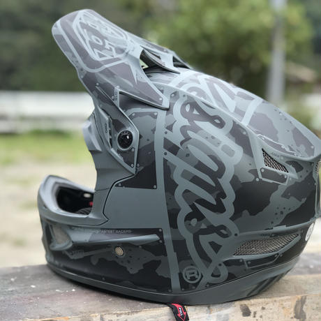 Troy Lee Designs / D3 FIBERLITE / FACTORY CAMO GREEN / LG