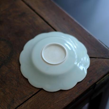 青白磁花口皿-小 PW028