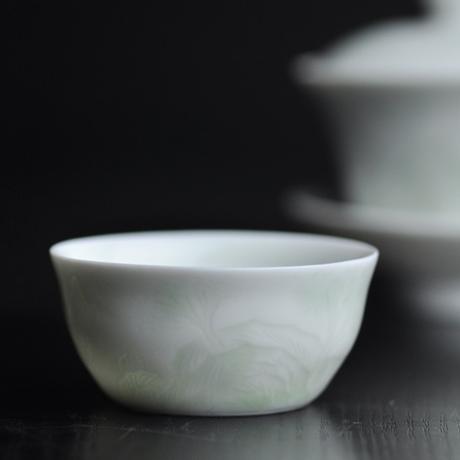 青白磁茶杯 山水 PC022