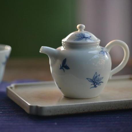 手描き染付茶壺 蘭 PC011