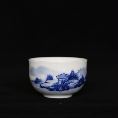 手描き染付茶杯 山水 PC057