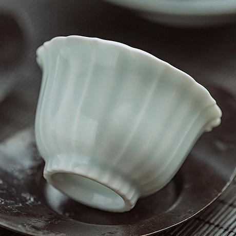 青白磁茶杯 PG035