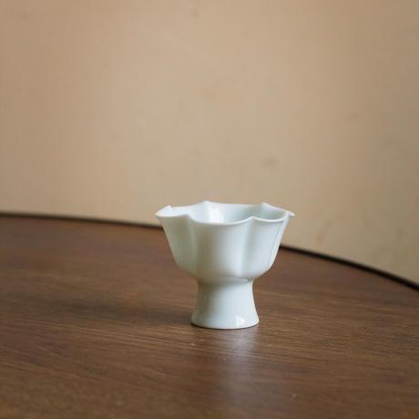 青白磁茶杯 花弁 PA007