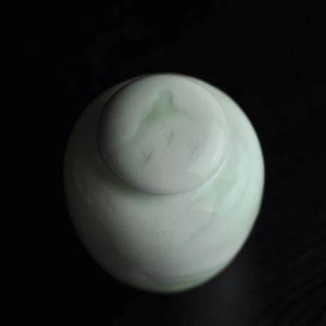 青白磁茶筒 山水 PC025