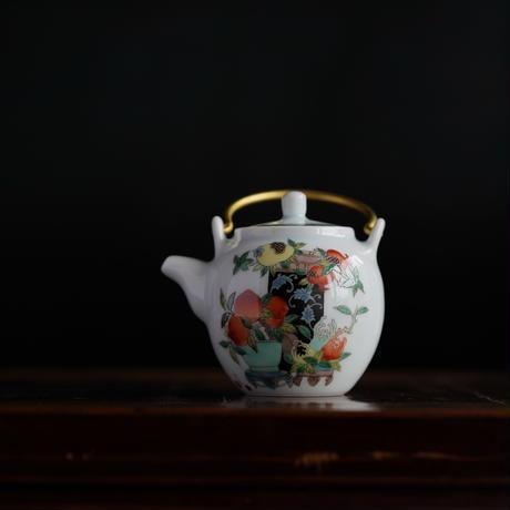 五彩提梁茶壺 PA039
