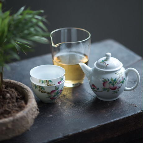 手描き茶杯 桃 PG068