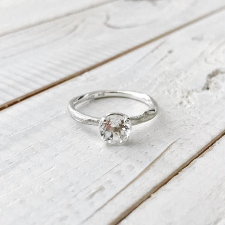 Branch ring 03 white topaz