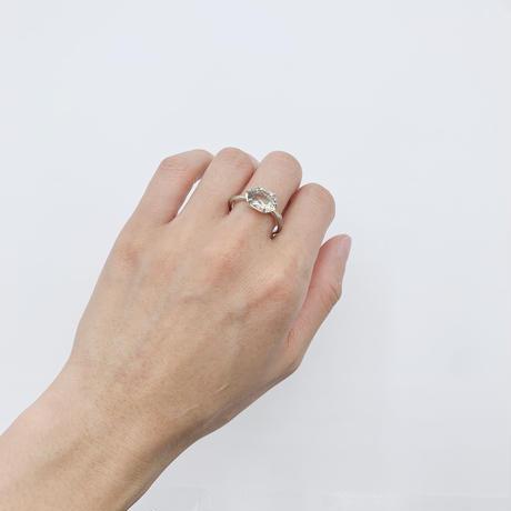 Branch ring 09 green quartz