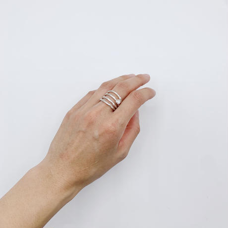 Branch ring 24 white topaz