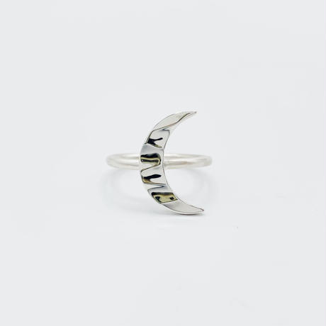 Water moon ring 03