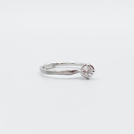 Branch ring 15 white topaz