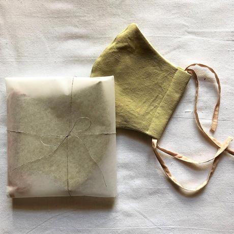 植物染め布マスク(レモングラス/クロモジ)