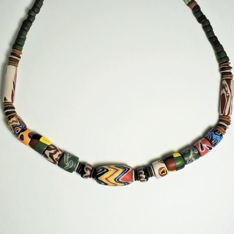 水滴寮原住民的店*パイワン族の陶珠ネックレス ねずみ色