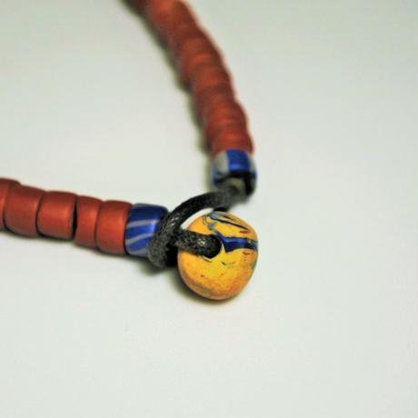 水滴寮原住民的店*パイワン族の陶珠ネックレス れんが色