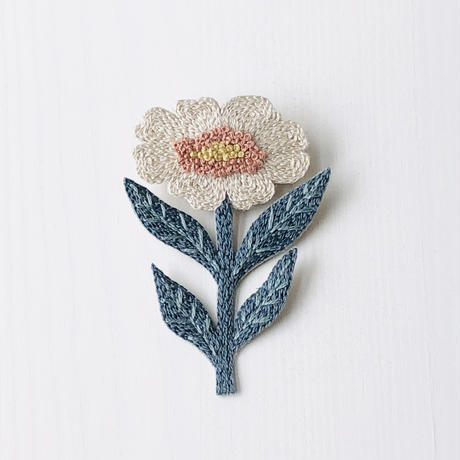 Wildflower  刺繍のブローチ C