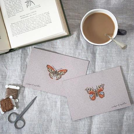Small  embroidery   小さな刺繍   Papillon  A