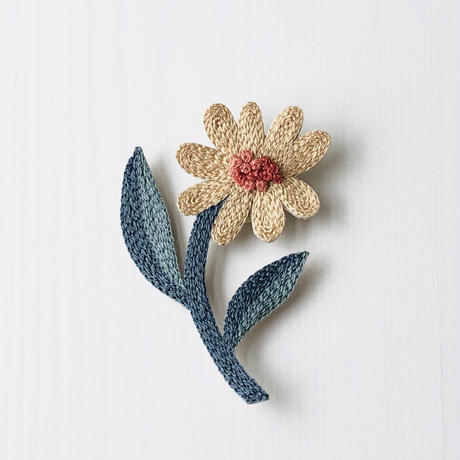Wildflower  刺繍のブローチ  D