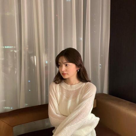spring white knit