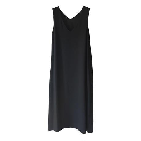 Graphpaper Satin V Neck Sleeveless Dress