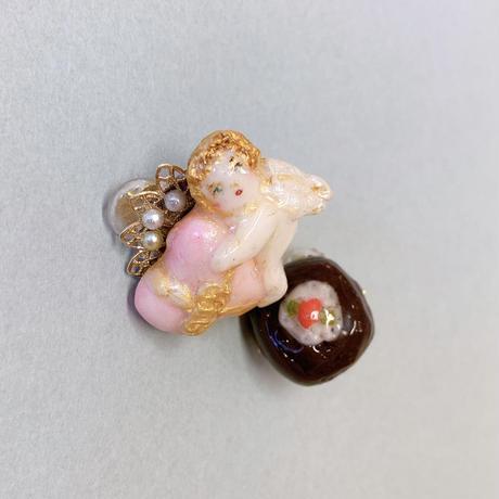 【ミッチのかけら】チョコとハートの贈り物天使イヤリング