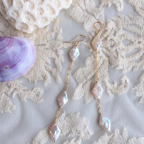 Pearl line pierced(diamond-shaped)