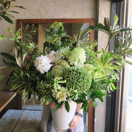 Seasonal arrangement / white&Green-L