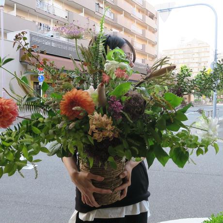 Seasonal arrangement -季節のお花を使ったアレンジメント- L-02