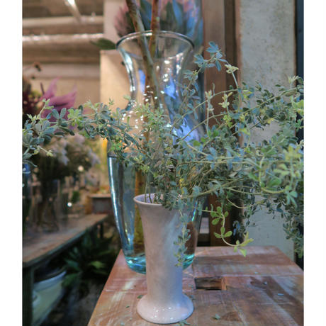 Antique flower vase  / GER-012
