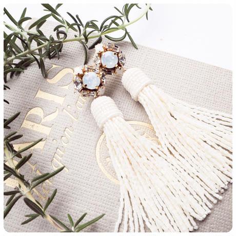 white   bijou   beads tassel pierce&earring