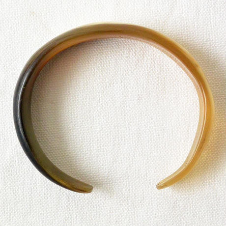 """""""African・Madagascar(マダガスカル) Hand Made"""" Cow's Horn Bangle -Natural Marble-  (AS-4A)"""