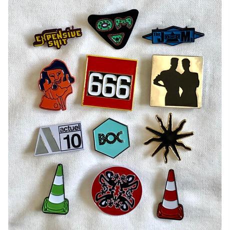 """【KHONKA KLUB / from CANADA】""""Musik"""" pin badge (kk-b-51)"""