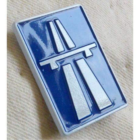"【KHONKA KLUB / from CANADA】""Trans Europe Express"" pin badge (kk-b-24)"