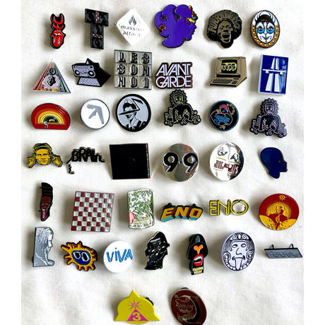 """【KHONKA KLUB / from CANADA】""""KlingKlang"""" pin badge (kk-b-50)"""