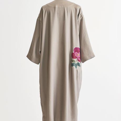 牡丹刺繍ガウン