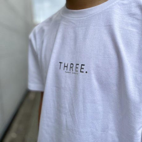 THREE. Silver logo T-shirt white