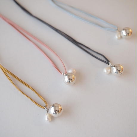 bola colorcode pearl necklace