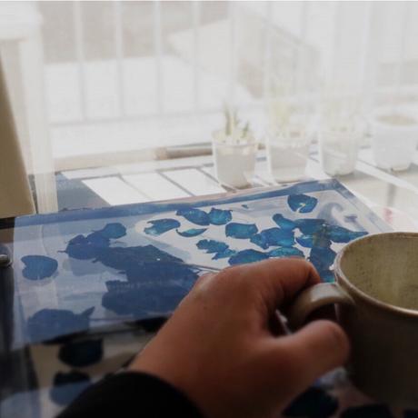 お花のサイドテーブル ネイビーローズ
